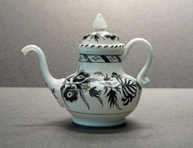 Covered Teapot with Black Enameled Floral Sprays