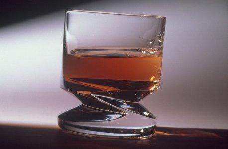 Zig zag (whiskey glass 5153) [slide].