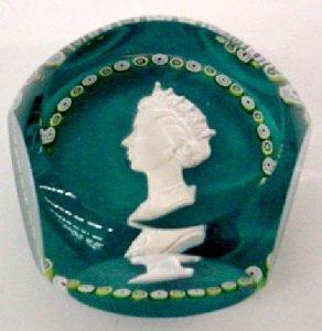 Paperweight with Sulphide of Queen Elizabeth