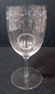 Engraved Wineglass with Grapevine Garland and Dot Motif