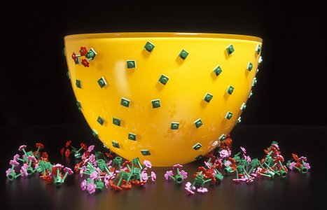 Bloomin' bowl [picture].