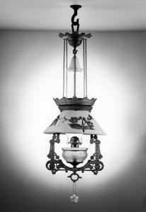 Lomax font hanging lamp [picture]