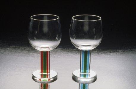 Wineglasses [slide].