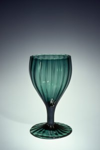 Ribbed Wineglass