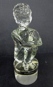 Figure of Crouching Girl