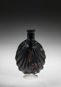 Perfume Flask in the Shape of a Scallop Shell