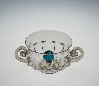 Bowl with Central Knop