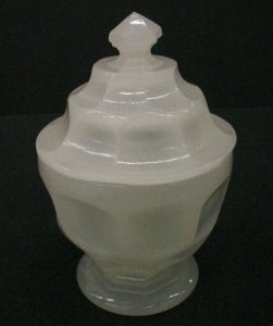 Clam-Water Sugar Bowl with Lid