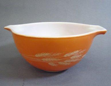 750 Milliliter Pyrex Mixing Bowl
