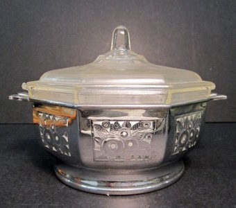 Pyrex Octagonal Casserole with Lid and Stand