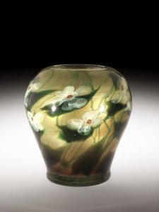 Paperweight Vase with Dogwood Flowers