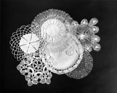 Doilies for decoration and drips [picture]