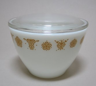 Pyrex Sugar with Lid