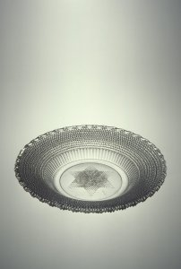 Dewdrop Dish with Star