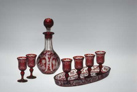Decanter set with 6 glasses