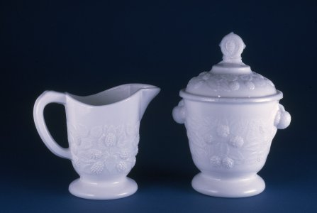 "Sugar Bowl and Cover in ""Blackberry"" Pattern"