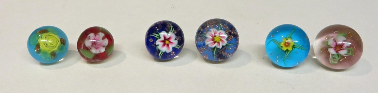6 Paperweight Buttons