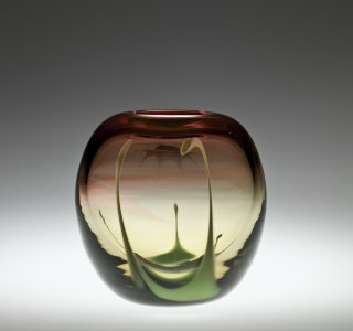 Gold-Ruby Vase