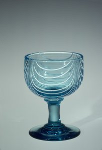 Wineglass with Marvered Swags