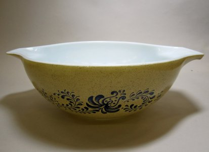 4 Liter Pyrex Nesting Bowl