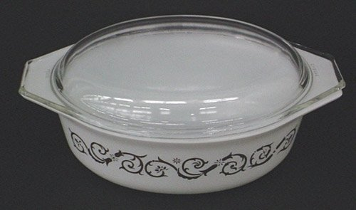 1-1/2 Quart Pyrex Casserole with Cover