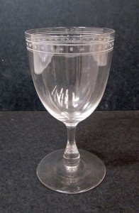 Engraved Wineglass with Band of Dots and Stars