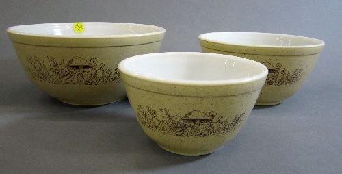 3 Pyrex Bowls