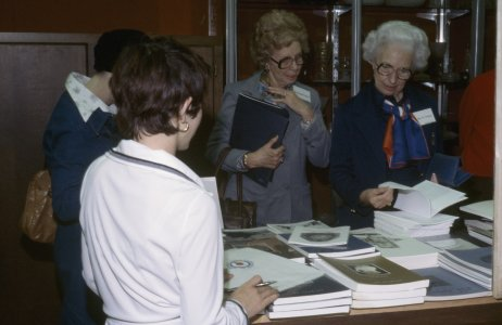 CMG Seminar, Oct. 6-8, 1977 [slide]: Louise Volpe (Maio) in foreground with back to camera.