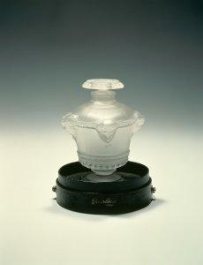 Bouquet de faunes scent bottle [transparency]