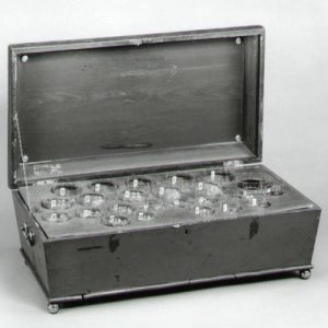 Glass Harmonica with 25 Glasses in Wooden Case