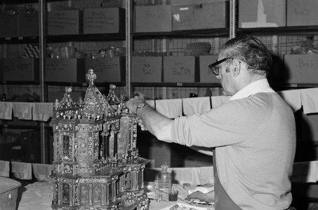 [Albert Fehrenbacher restores Altar to Saint Nicholas of Bari] [picture].