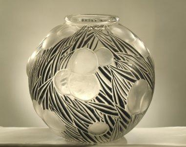 Oranges vase by Lalique [transparency]