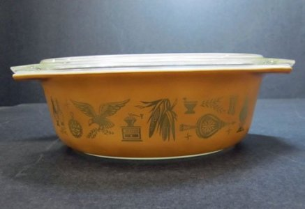 1-1/2 Quart Pyrex Oval Casserole with Lid