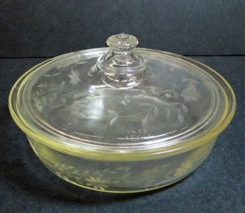 Engraved Pyrex Casserole with Lid