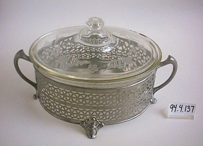 Engraved Pyrex Casserole and Lid with Metal Mounter