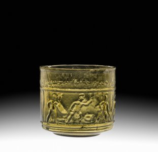 Cup with Gladiators