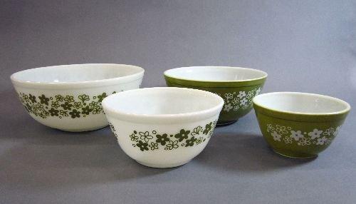 3 Pyrex Nesting Bowls