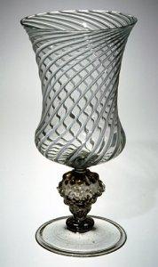 Wineglass (vetro a fili)