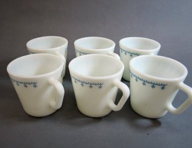 6 Pyrex Coffee Mugs
