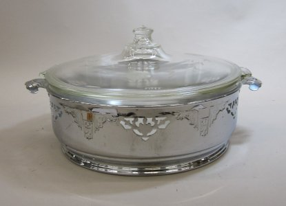 Pyrex Casserole with Lid and Metal Mount