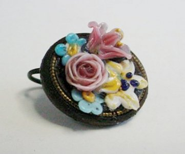 Earring with Bouquet of Flowers
