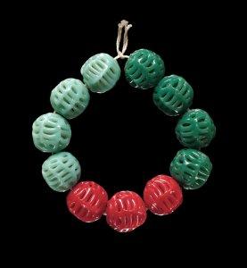 39 Round Openwork Beads