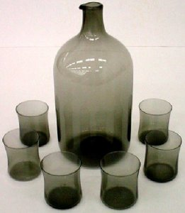 Decanter and 6 Schnapps Glasses