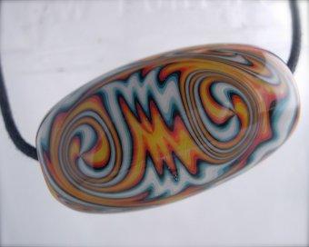 Multi-colored swirled glass bead