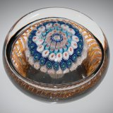 Concentric paperweight