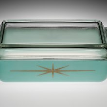 "2 Quart Pyrex Covered Casserole, ""Starburst,"" Corning Glass Works, Charleroi, PA, USA, 1960. 2010.4.968."