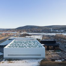 The Corning Museum of Glass campus, featuring the new Contemporary Art + Design Wing, designed by Thomas Phifer and Associates. Photo by Iwan Baan. Courtesy of The Corning Museum of Glass.