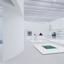 View of the Special Temporary Projects Gallery and the Body and Narrative Gallery in The Corning Museum of Glass's new Contemporary Art + Design Wing, designed by Thomas Phifer and Partners. Photo by Iwan Baan. Courtesy of The Corning Museum of Glass
