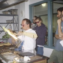 Eric Goldschmidt, who is now a flameworker at The Corning Museum of Glass, TAs for Cesare Toffolo's class in 2000 as Snic Barnes captures the demo on film.